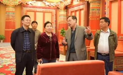 (图)云南省民族宗教事务委员会考察组考察无锡市祥符禅寺